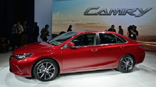 Car Review and Features: 2015 Toyota Camry